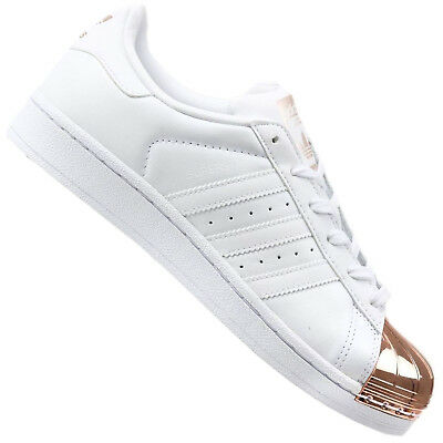 pretty nice 73756 a36c9 Adidas Originals Superstar Metallo Punta BY2882 Sneaker Donna pelle Bianco  Oro
