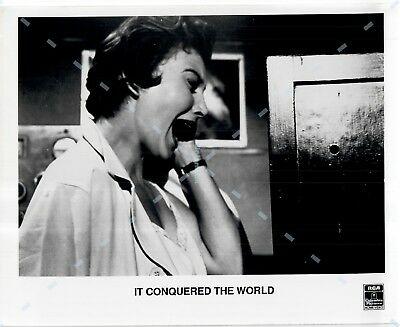 Press Publicity Photo Still 8x10 ~It Conquered the World (1956) Sally Fraser