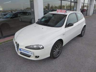 Alfa Romeo 147 C'N'C COSTUME NATIONAL 1.9 JTD 3p.