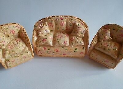 1/24th Scale...Dolls House...3 Piece Suite (Resin).