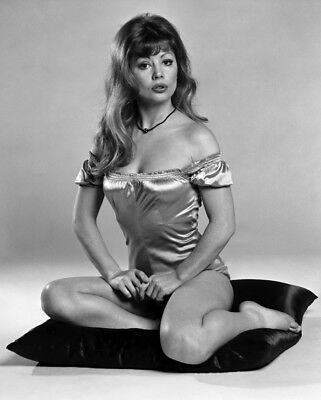 """Penny Irving Carry On Films 10"""" x 8"""" Photograph no 3"""