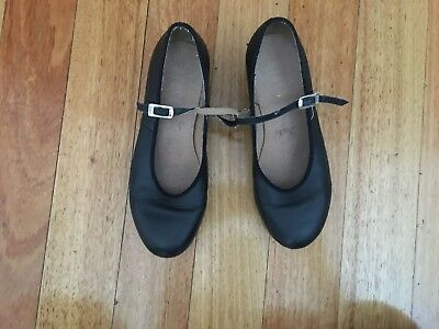 Black BLOCH tap shoes, size 6, good condition