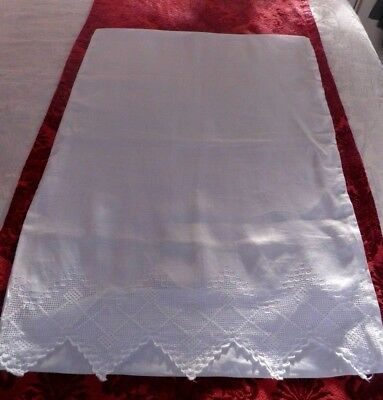 A SUPERB VINTAGE PILLOW CASE with PRETTY PULLED THREAD LACE
