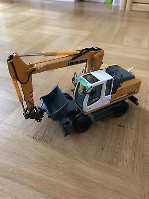 NZG Liebherr 924 Mobilbagger 1.50 top oh ovp