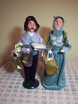 """BYERS CAROLERS COUPLE - 13"""" Tall - VICTORIAN SHOPPERS - NUMBERED"""