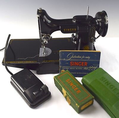 Singer Model 221 Featherweight Sewing Machine w Case & Extras - NO RESERVE VH-6
