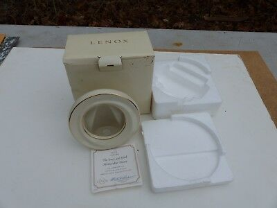"""The Ivory and Gold Memorable Frame Lenox in Original Box 5"""" Diameter Round Stand"""