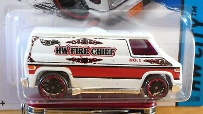 "Hot Wheels Super Van Fire Chief White ""hw City"" 2013"
