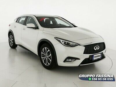 INFINITI Q30 1.5 D 2WD 6MT 110cv Business