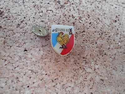 Pin's Pins cock coq hahn Euro 92 football coupe d'Europe lapin mascotte FRANCE