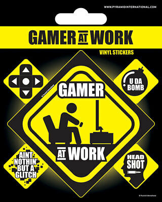 Vinyl Sticker / Aufkleber-Set GAMER AT WORK  1x groß 4x klein PS7414 NEU