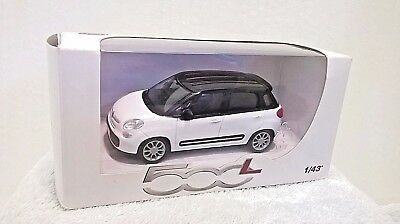 Fiat 500L 1/43 Scale Diecast Dealer Model White Boxed BNIB See Pictures