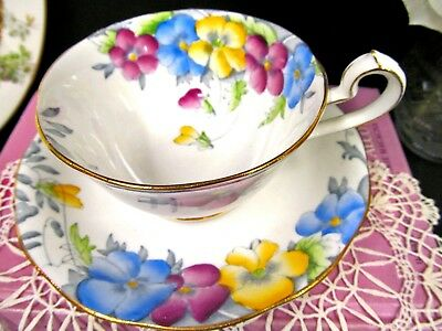 QUEEN ANNE tea cup and saucer pretty floral pansy  painted teacup England