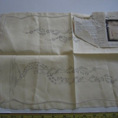"1 x 12""x18"" #7044 Para Vintage Irish Linen Doily Stamped Embroidery Project New"