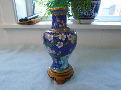 Ref 001 Vintage Chinese Cloisonne / Enamel Vase Blue With Flowers