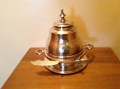 Early antique Wm Rogers dome top silverplate butter dish with knife & plate