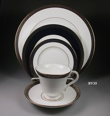 Waterford Powerscourt China 5 Piece Place Setting - Settings - Perfect