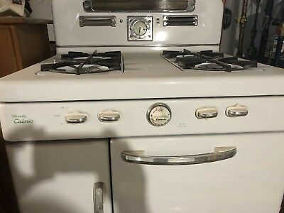 Ultramatic Caloric Antique Gas Stove In Excellent Condition