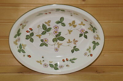 """Wedgwood Wild Strawberry Oval Vegetable Serving Bowl 9 3/8"""" x 7 3/8"""" Earthenware"""