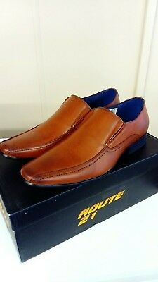 Mens Boys tan slip on dress fashion shoes....Size 9.....Brand New With Box