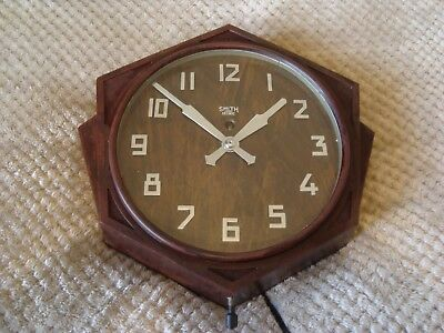 SMITH SECTRIC WALL CLOCK ART DECO BAKELITE circa 1935