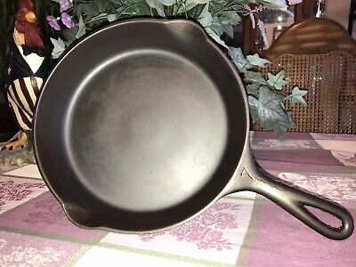 Vintage #7 Cast Iron Pan, Unmarked 1930's Style w/ Heat Ring, Cleaned & Seasoned
