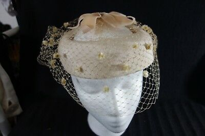 1950's Hat- Small Beige Circlet- Fascinator Style - w/Veil- VG- CHIC & CUTE-SALE