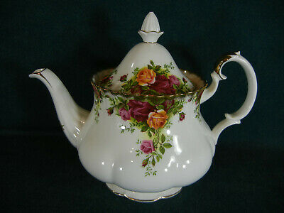 """Royal Albert Old Country Roses 7 1/2"""" Large Tea Pot with Lid - Made in England"""