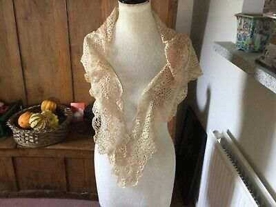 Maltese cream lace mantilla/shawl - antique
