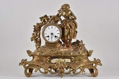 e86e01- Figurenuhr Messing und Metallguss 19.Jh.