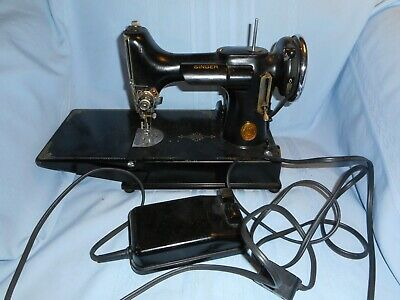 1938 Singer Featherweight Sewing Machine AF 074708 Works