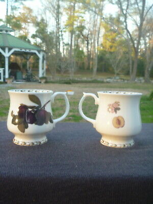 2 Fine China QUEENS Royal Horticultural Society Hookers Fruit PLUM Footed Mug