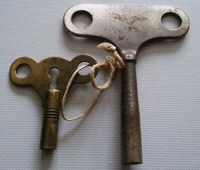 2  x  Antique / Vintage  Metal Clock  Keys Winders