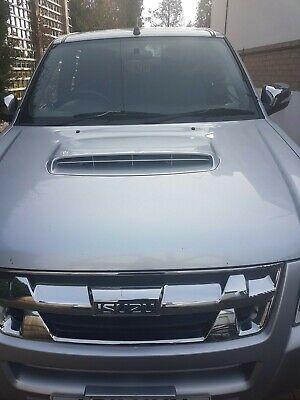 Isuzu Rodeo Denver Pick-up 3.0 TD Automatic Diesel with rear canopy