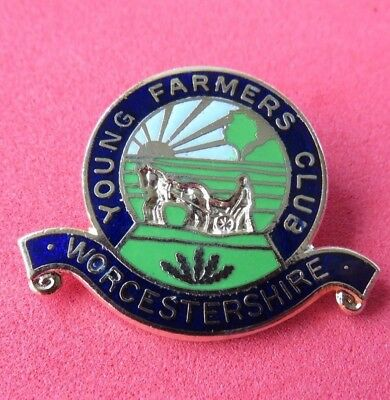 Young  Farmers'  Club <>  Worcestershire <>  Lapel Badge <> Fattorini & Sons