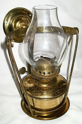 Ships Cabin Paraffin Lamp ~ Nauticalia ~Gimbal Movement ~ Good Working Condition
