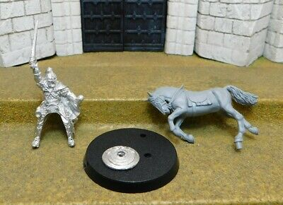 ERKENBRAND MOUNTED - Lord Of The Rings Metal Figure(s)