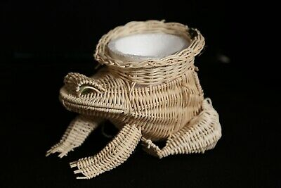 Natural Wicker Small Sitting FROG PlanterMarble Eyes