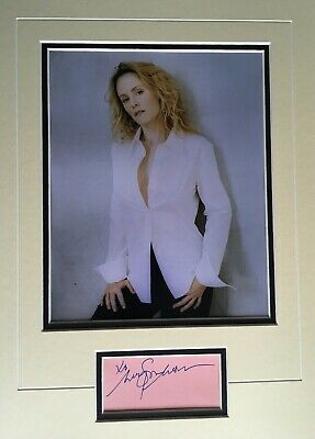 Mary Stuart Masterson - Popular American Actress - Superb Signed Photo Display