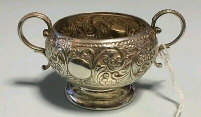 ANTIQUE STERLING SILVER 2 HANDLED CUP HALLMARKS LONDON 1887 - CSH - Weight 80.2g