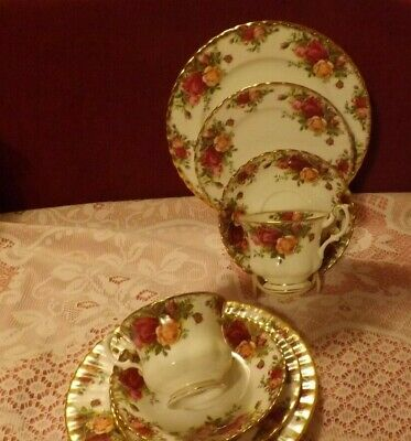 Royal Albert Old Country Roses 8 Piece Teaset