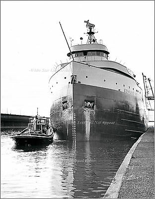 Photo: The SS Edmund Fitzgerald In The Twin Ports w/ Tug Arkansas,1960's