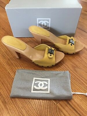 e9027faedd0 AUTH. CHANEL CLOGS   Mules in Brown Leather-Size 37.5 (will fit 37 ...