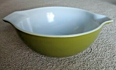Pyrex Verde Avocado Green Cinderella Mixing Bowl #443 2 1/2 Quart