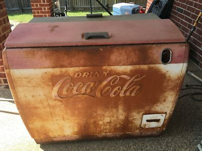 Antique Coca Cola Gas Station Ice Box/Soda Bottle Box Refrigerator 1950's COKE
