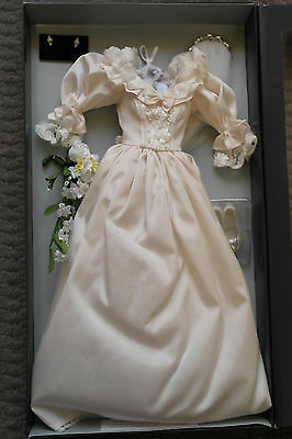 Franklin Mint Princess Diana Vinyl Doll Wedding/ Bride Ensemble 16""