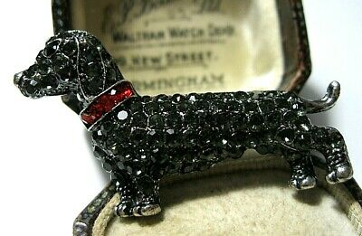 Beautiful Vintage Style Dachshund SAUSAGE Red Black Crystal Jewellery BROOCH Pin