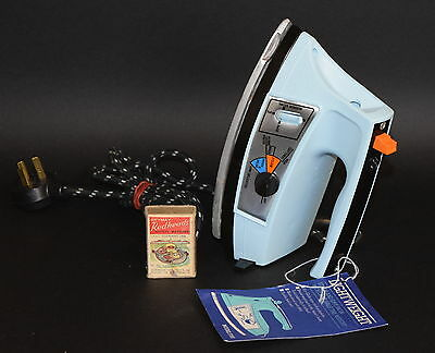 Small, Lightweight GE Steam & Dry Iron weighs 700g for Weak Hands Vintage