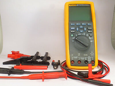 one FLUKE 287 TRUE RMS Multimeter digital with test leads and accessories