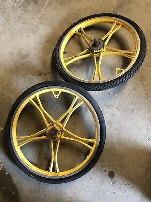 7a74ff68832 Vintage Yellow Lester Mag Wheels Bmx Bicycle Old School Bike Rims Pair
